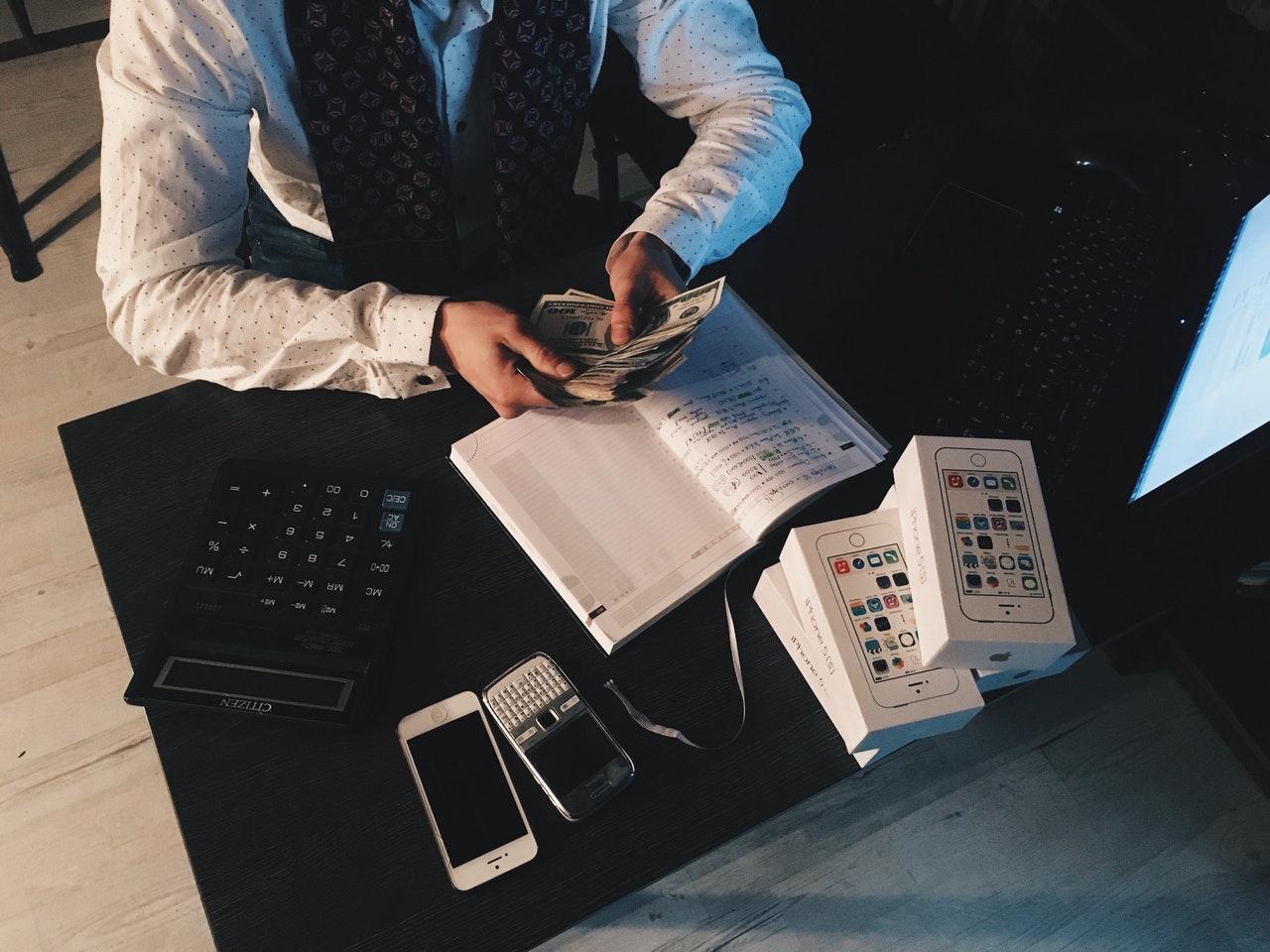 minimalna plaća direktora